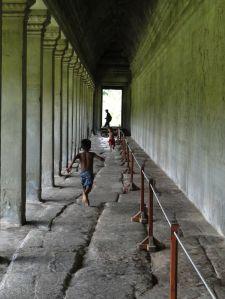 Corredores de Angkor Wat - Siem Reap, Cambodia.